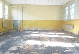 schimmelpilz-im-bodenaufbau-turnhalle-3_20130918_1836067220